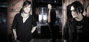 Goo Goo Dolls bring more than tunes to the table