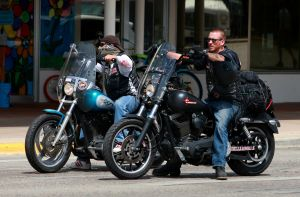Cody police chief meets with Hells Angels