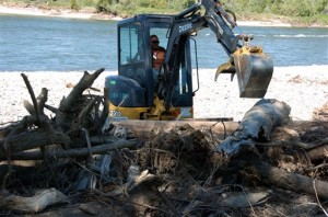 Yellowstone River oil spill cleanup will last into fall
