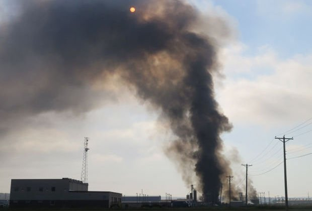 North Dakota oil supply plant fire extinguished