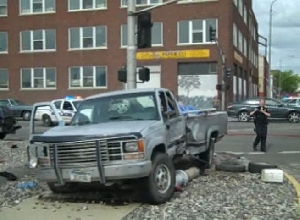 Raw video: Accident at 1st Ave. S and 28th St.