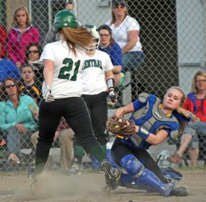 Timely hitting lifts Rams over Lewistown, 10-7