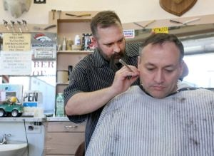 Wyoming bill would groom cosmetologists to become barbers