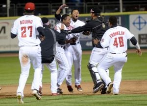 Mustangs beat Owlz in 11th inning; 1 win away from Pioneer League title