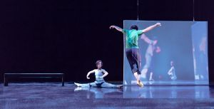 Contemporary dance company takes on modern technology