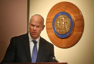 Gov. Matt Mead recommends state lawmakers address education