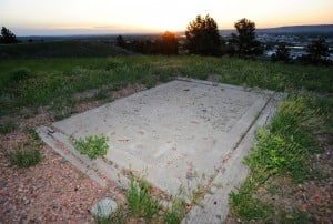 Fundraising underway for restoration of Yellowstone Kelly grave