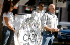 Police lieutenant formally announces write-in campaign for sheriff
