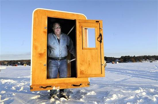 Minnesotan Creates Portable Ice Fishing Shack Outdoors