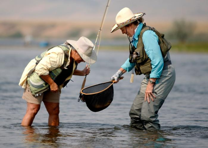 Fly fishing attracts growing number of women for Chicago fly fishing