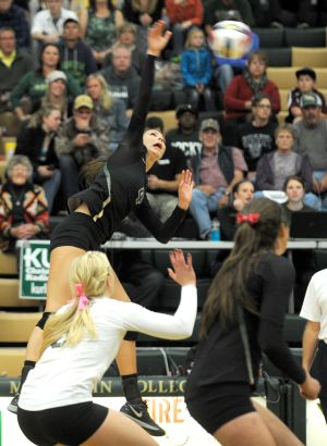 No. 1 Rocky volleyball ups winning streak to 21