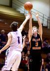 Senior's Eli Caekaert shoots