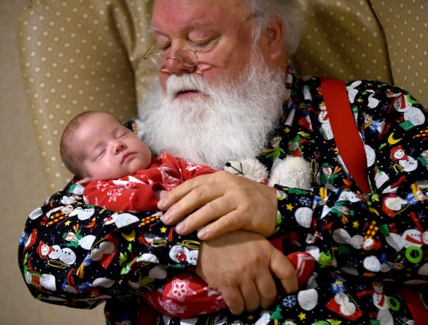 Santa brings Christmas to tiniest tots at St. Vincent Healthcare