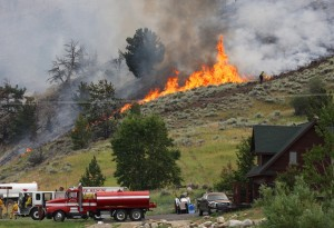 Rock Creek fire outside of Red Lodge estimated at 500 acres; 1 firefighter injured