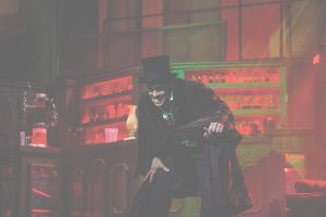 Brilliant vocals, imaginative staging make 'Jekyll & Hyde' show dark delight
