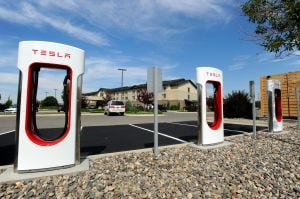 Tesla Motors installs charging station for electric cars in Billings