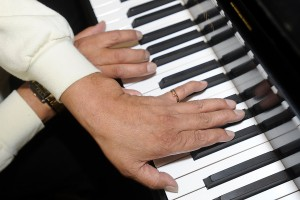 Lost in the music: 'Piano man' plays soothing tunes for hospital visitors
