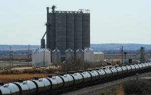 Report: 1 in 7 North Dakota jobs oil-related