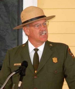 Association honors Yellowstone superintendent
