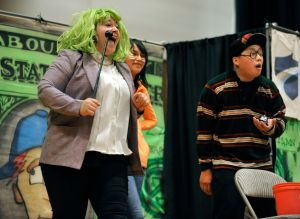 Comedy duo teaches personal finance to Hardin middle school kids