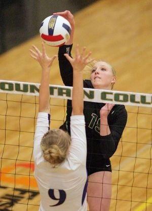 Rocky volleyball plays like a No. 1 team