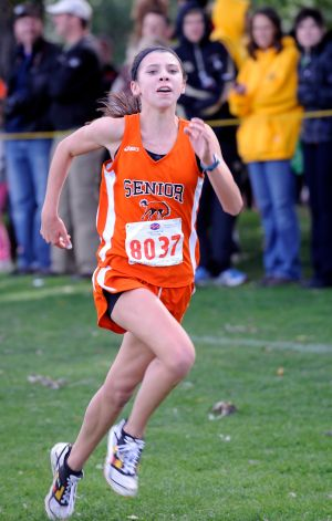 Aragon's victory pushes Senior girls to team title