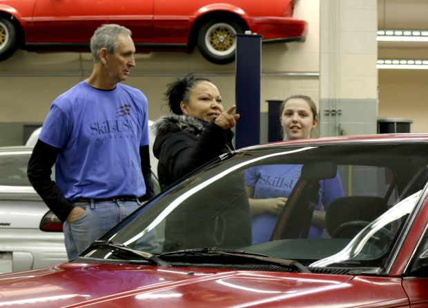 Career Center students fix, donate car to local woman