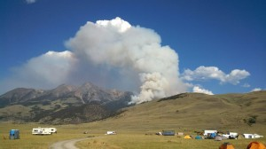 Strong winds, warm weather spur on Emigrant fire