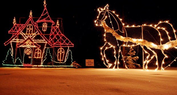 ... 2014-12-03T12:13:03Z ZooLight tours at ZooMontana The Billings Gazette