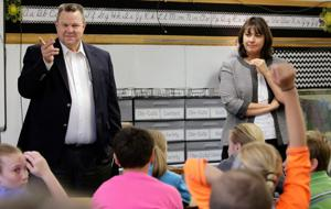 4th-graders give Tester, Juneau earful about testing load, glitches