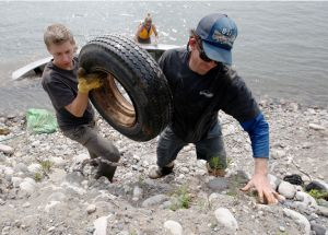 River cleanup by volunteer crew yields bounty of refuse