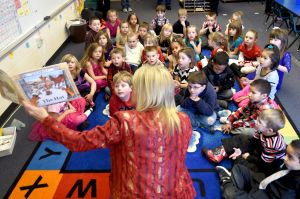 'It makes us smart:' Free books kindle literacy for kindergartners