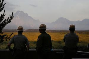 Forecasts favor fire growth in Yellowstone, Grand Teton