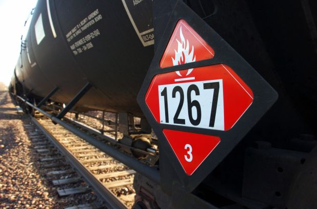 Thousands of rail cars would be phased out under crude oil rules