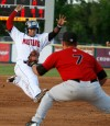 Mustangs' dramatic rally in 8th overtakes Voyagers, 5-3