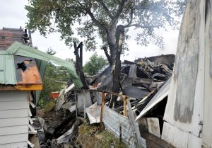 Fire Consumes 3 Roundup Homes