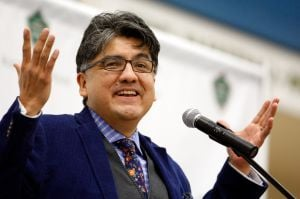 Noted author Sherman Alexie packs Rocky's Fortin Center Thursday night