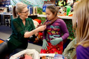 McKinley students get Christmas gifts with help from Billings Clinic