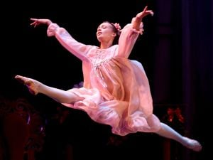 'Nutcracker' dazzles full-house crowd at the ABT