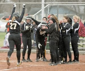 Bears blast five home runs in 19-0 romp over Senior