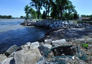 High Yellowstone River eats up new Laurel dike