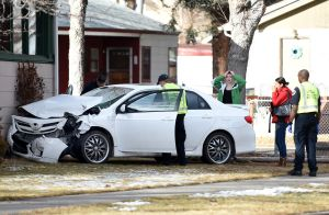No injuries in DUI crash into 5th Ave. home