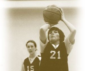 Pioneering basketball star Deb Prevost aims to pay it forward for Sidney