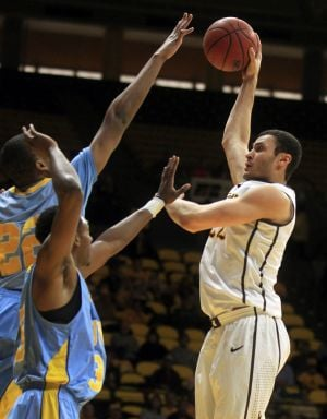 Wyoming uses stifling defense to remain undefeated inside Arena-Auditorium