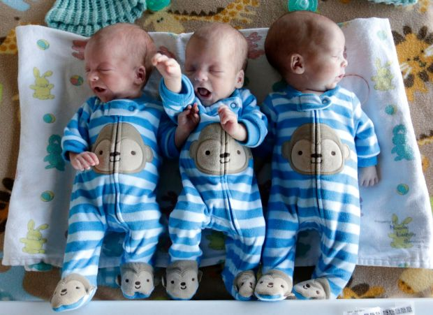 Newborn Identical Twins Rare Identical Triplet...