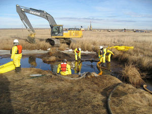 Warmth hurting N.D. spill cleanup