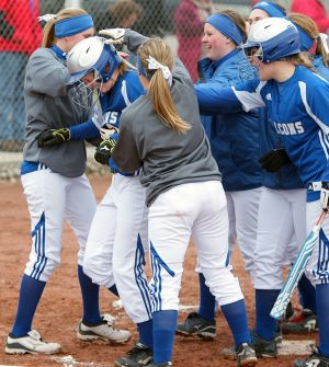 Falcons edge Broncs on the strength of 3 home runs