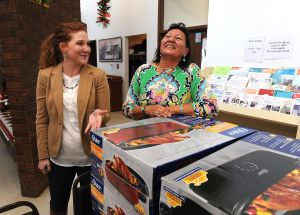 Cloud Peak donates new oven to Crow senior center