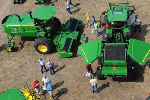 Agriculture equipment sales decline in 2014