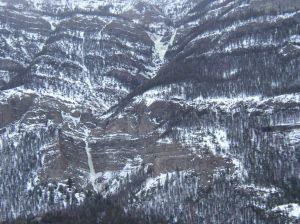 Ice climber airlifted off ice flow in Park County, Wyo.